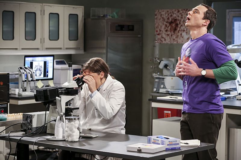 """""""The Brain Bowl Incubation"""" -- Pictured: After a successful experiment combining their genes, Sheldon will stop at nothing to convince Amy they should procreate. Also, Koothrappali is embarrassed to tell the gang what the new woman he's dating does for a living, on THE BIG BANG THEORY, Thursday, Nov. 10 (8:00-8:31 PM, ET/PT), on the CBS Television Network. Photo: Michael Yarish/Warner Bros. Entertainment Inc. © 2016 WBEI. All rights reserved."""
