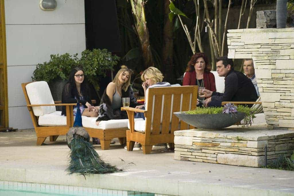 MODERN FAMILY Season 8 Episode 10 Photos 12