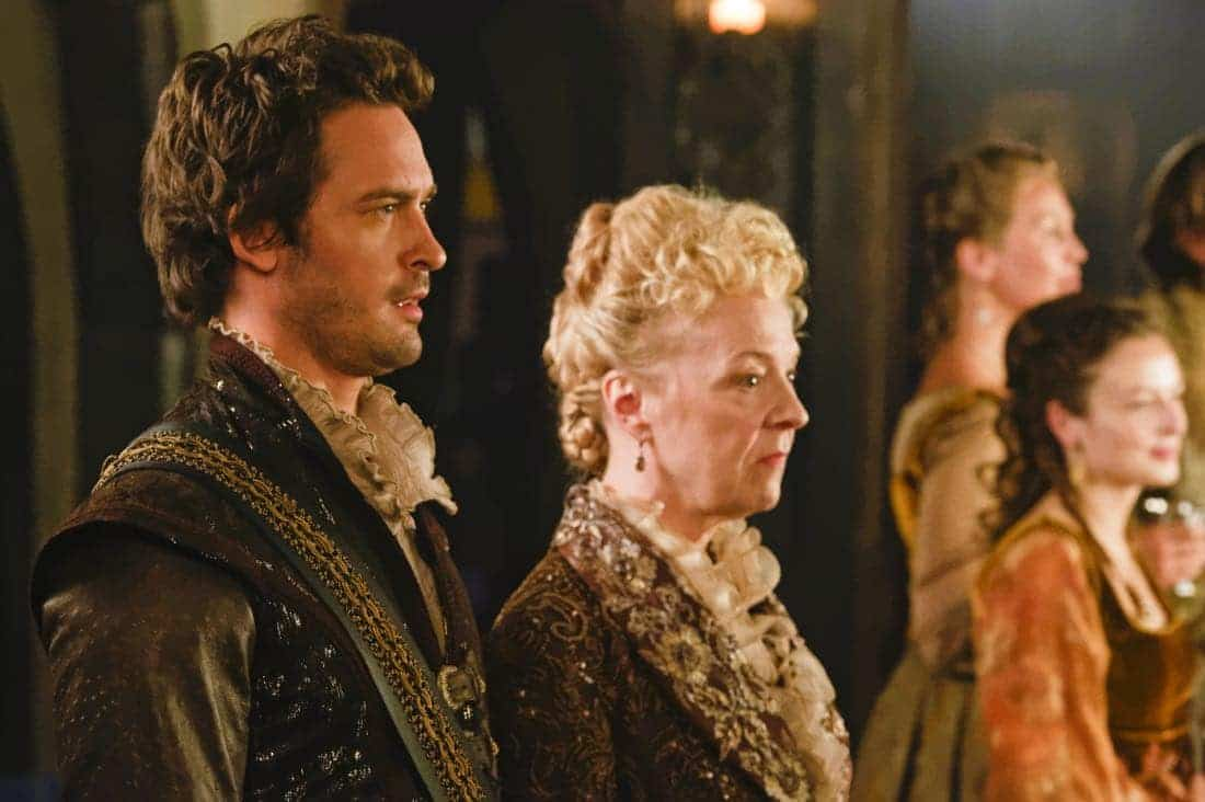 "Reign -- ""Leaps of Faith"" -- Image Number: RE403a_0280.jpg -- Pictured (L-R) Will Kemp as Lord Darnley and Nola Augustson as Lady Lennox -- Photo: Ben Mark Holzberg/The CW -- © 2017 The CW Network, LLC. All Rights Reserved"