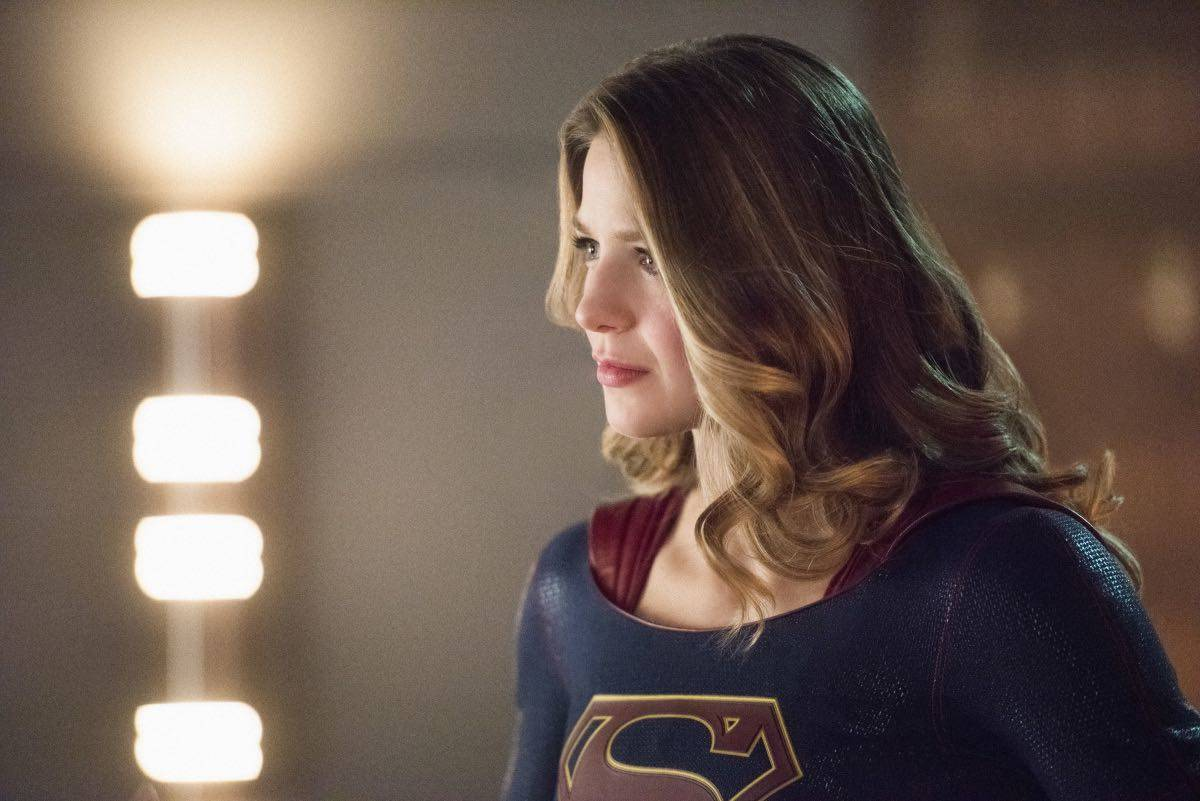 SUPERGIRL Season 2 Episode 15 Photos Exodus 2