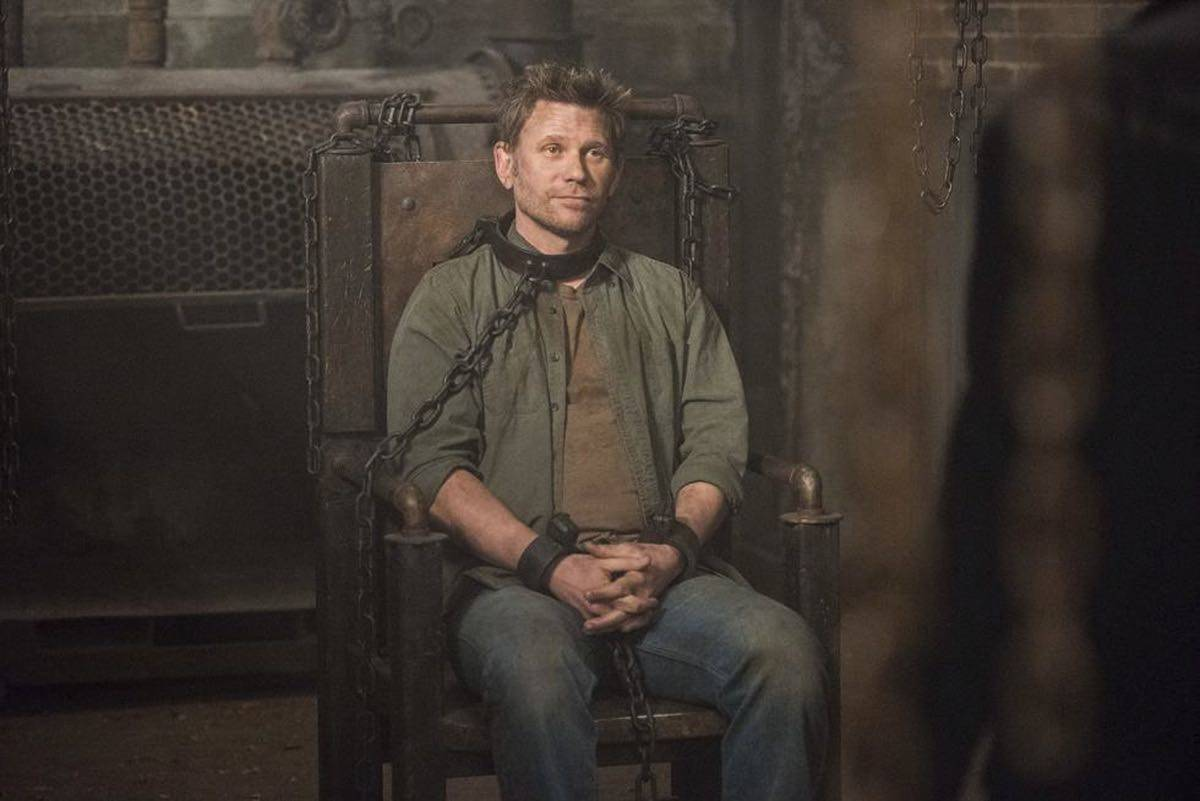 SUPERNATURAL Season 12 Episode 15 Photos Somewhere Between Heaven and Hell 06
