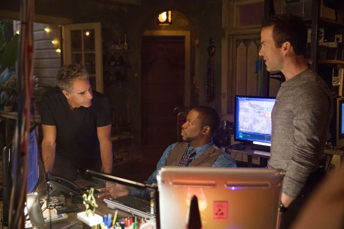 """Swift Silent Deadly"" -- A highly credentialed and skilled special ops marine sends Pride and the NCIS team on a city-wide manhunt after he assaults six men in a bar, on NCIS: NEW ORLEANS, Tuesday, March 14 (9:00-10:00, ET/PT) on the CBS Television Network. Pictured L-R: Scott Bakula as Special Agent Dwayne Pride, Daryl Chill Mitchell as Patton Plame, and Lucas Black as Special Agent Christopher LaSalle Photo: Sam Lothridge/CBS ©2017 CBS Broadcasting, Inc. All Rights Reserved"