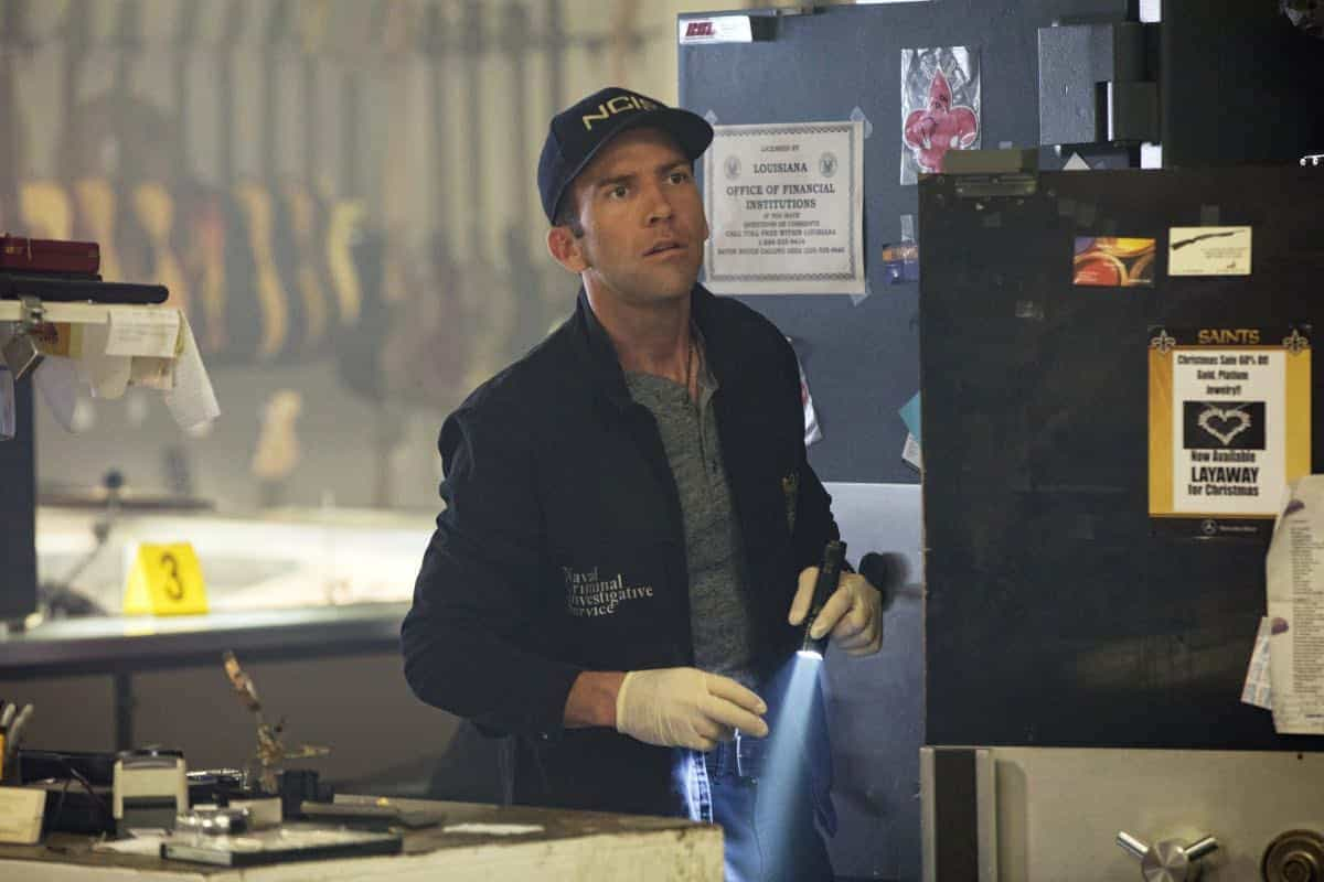 """Swift Silent Deadly"" -- A highly credentialed and skilled special ops marine sends Pride and the NCIS team on a city-wide manhunt after he assaults six men in a bar, on NCIS: NEW ORLEANS, Tuesday, March 14 (9:00-10:00, ET/PT) on the CBS Television Network. Pictured: Lucas Black as Special Agent Christopher LaSalle Photo: Sam Lothridge/CBS ©2017 CBS Broadcasting, Inc. All Rights Reserved"