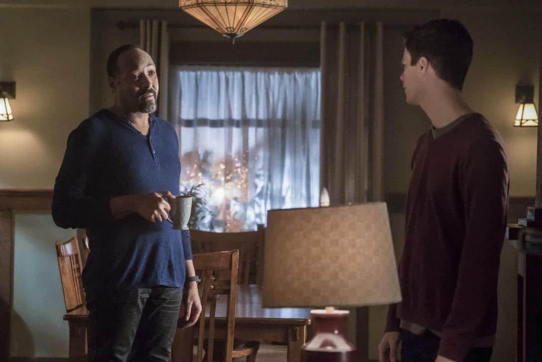 The Flash Season 3 Episode 23 Finish Line 07
