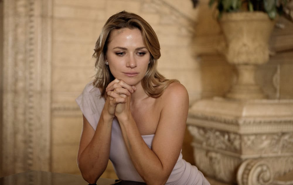 "SHOOTER -- ""The Hunting Party"" Episode 201 -- Pictured: Shantel Vansanten as Julie Swagger"