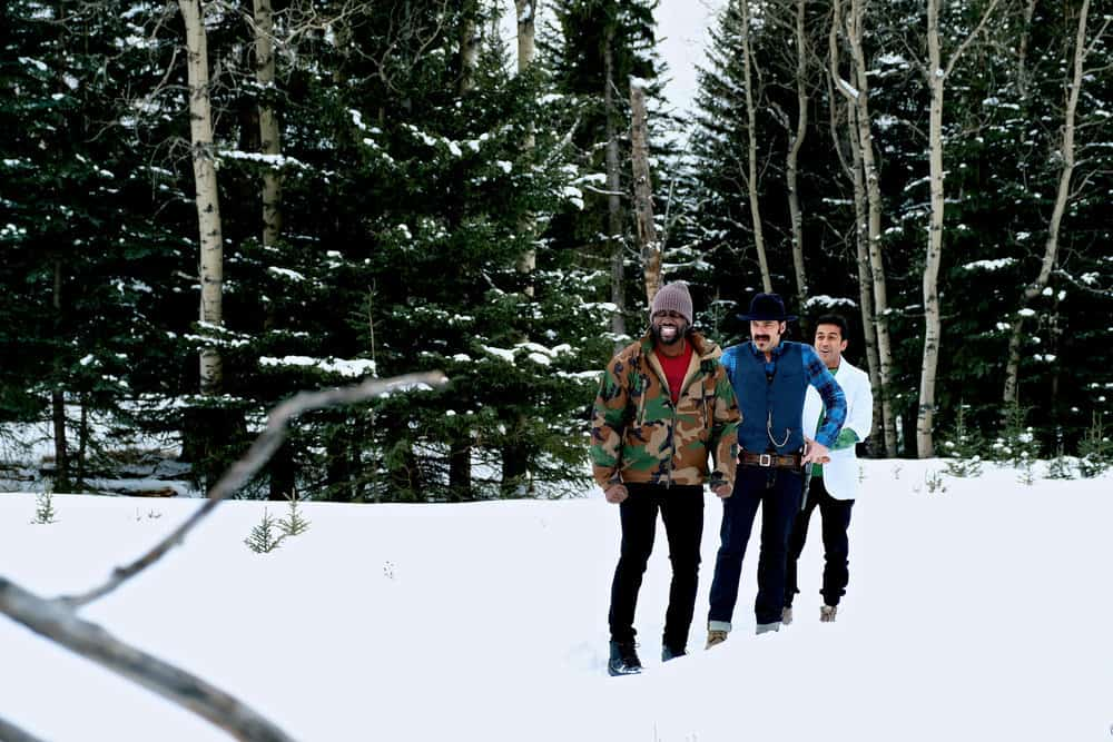 """WYNONNA EARP -- """"Everybody Knows"""" Episode 207 -- Pictured: (l-r) Shamier Anderson as Agent Dolls, Tim Rozon as Doc Holliday, Varun Saranga as Jeremy"""