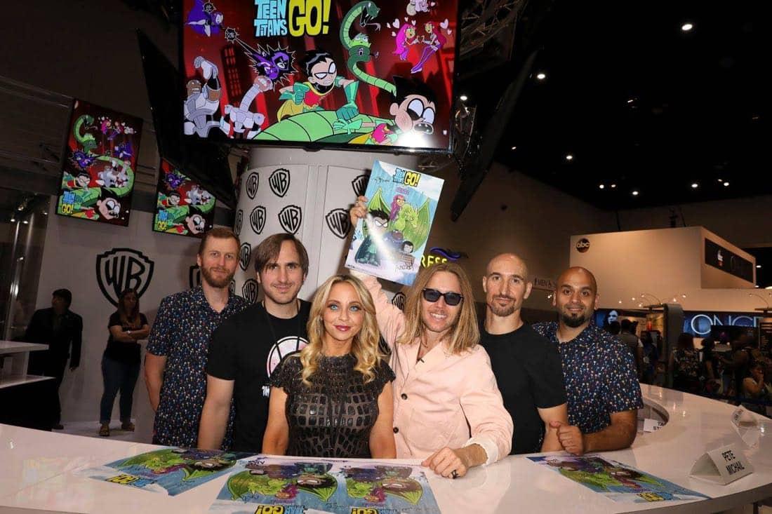 Comic Con TEEN TITANS GO Signing 2