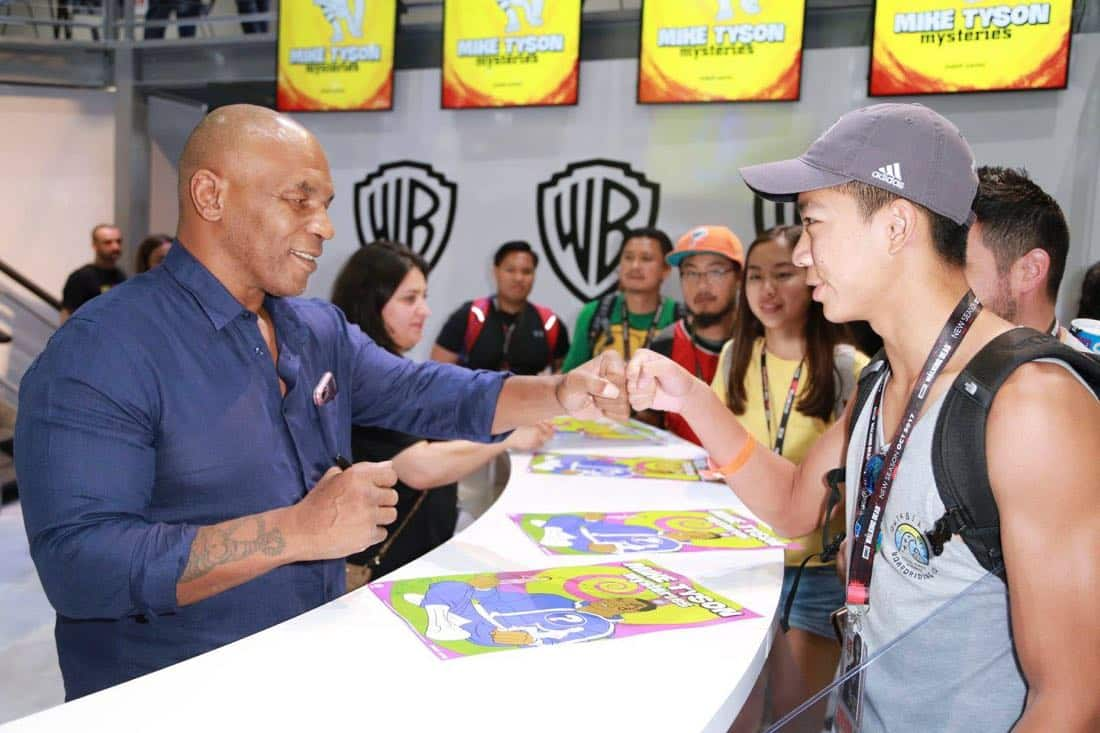 Comic Con MIKE TYSON MYSTERIES Signing 2