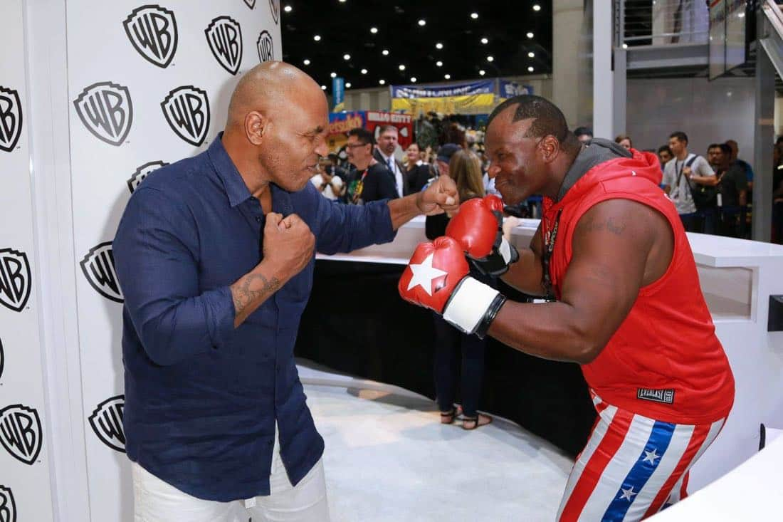 Comic Con MIKE TYSON MYSTERIES Signing 4