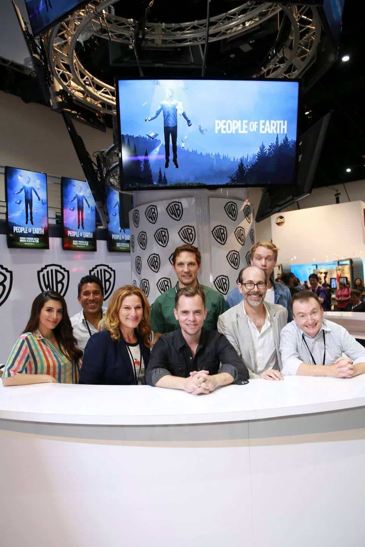 Comic Con Photos PEOPLE OF EARTH 11