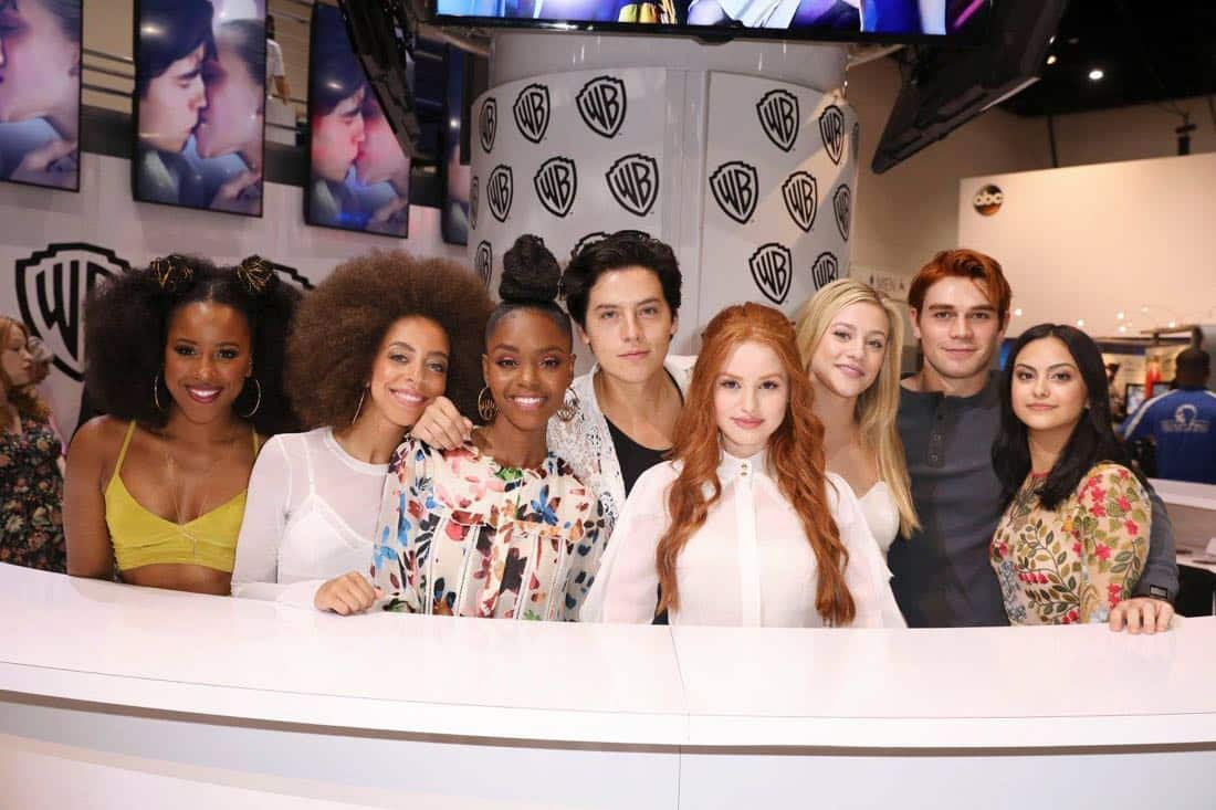 Comic Con Photos Riverdale Cast SDCC 12