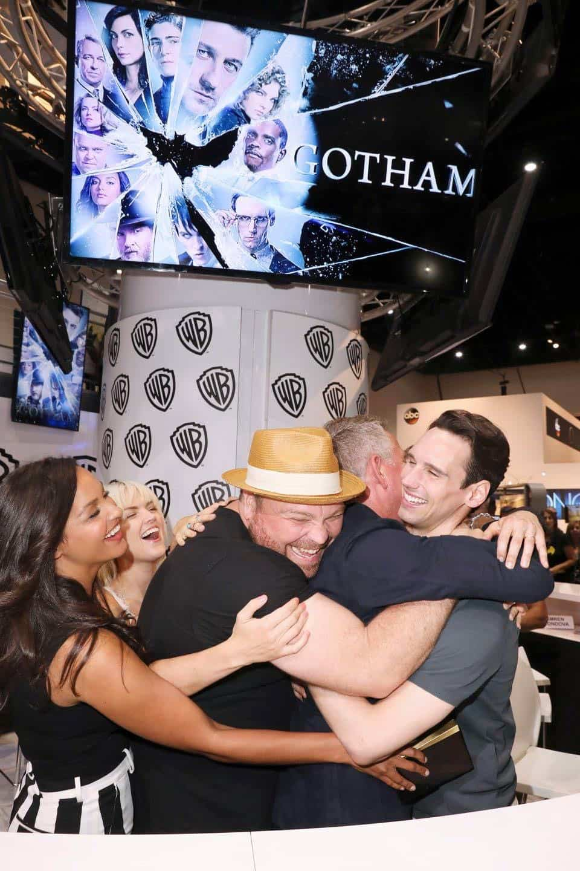 Comic Con Photos Gotham Cast SDCC 08