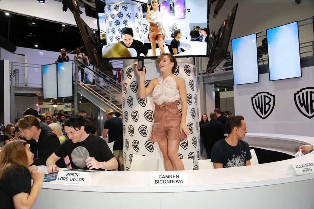 Comic Con Photos Gotham Cast SDCC 11