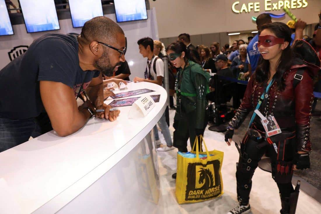 Comic Con SDCC Black Lightning 7
