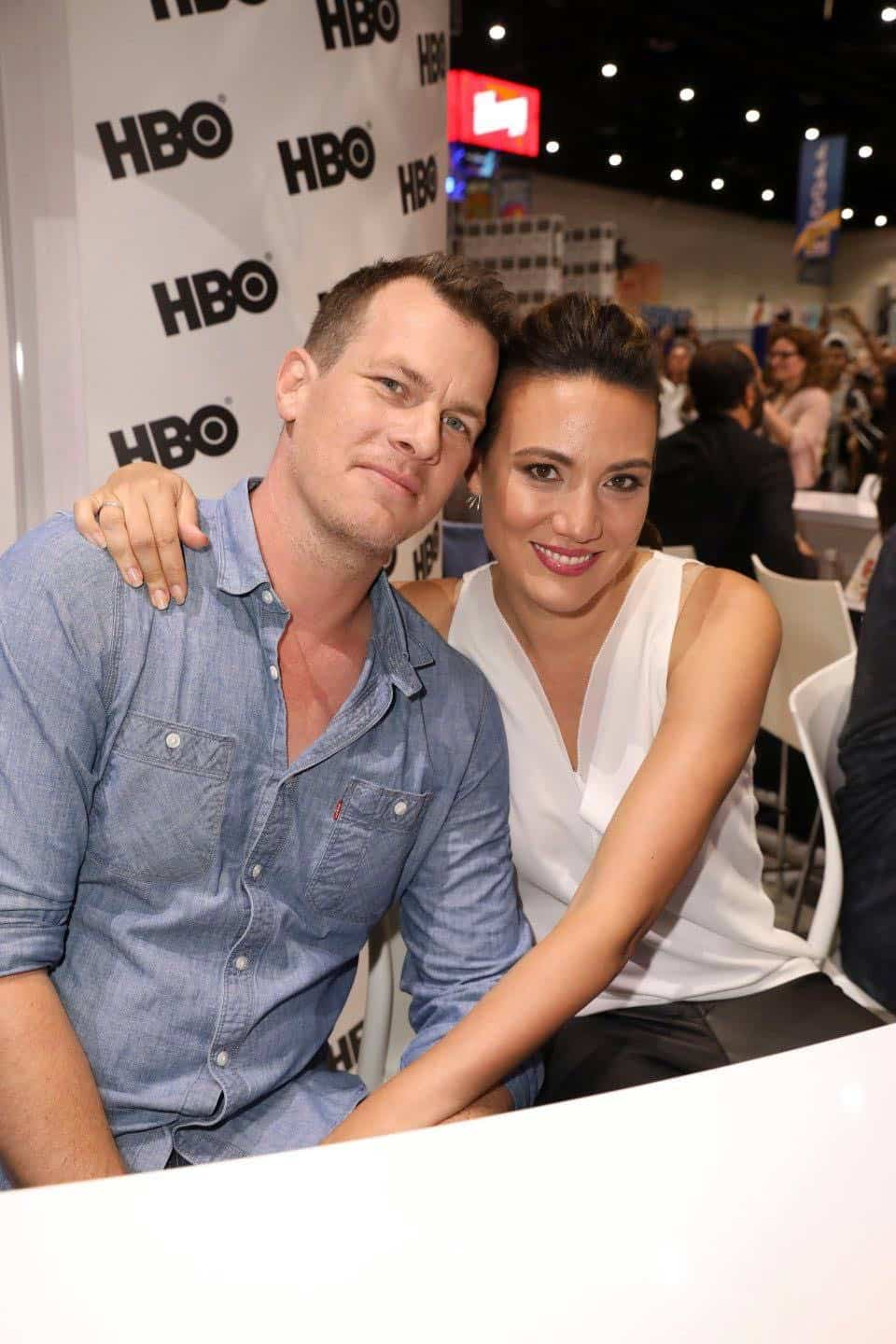 WESTWORLD co-creator/executive producer Jonathan Nolan and co-creator/executive producer Lisa Joy capture the moment at the Warner Bros. booth at Comic-Con 2017 on Saturday, July 22. #WBSDCC (© 2017 WBEI. All Rights Reserved)