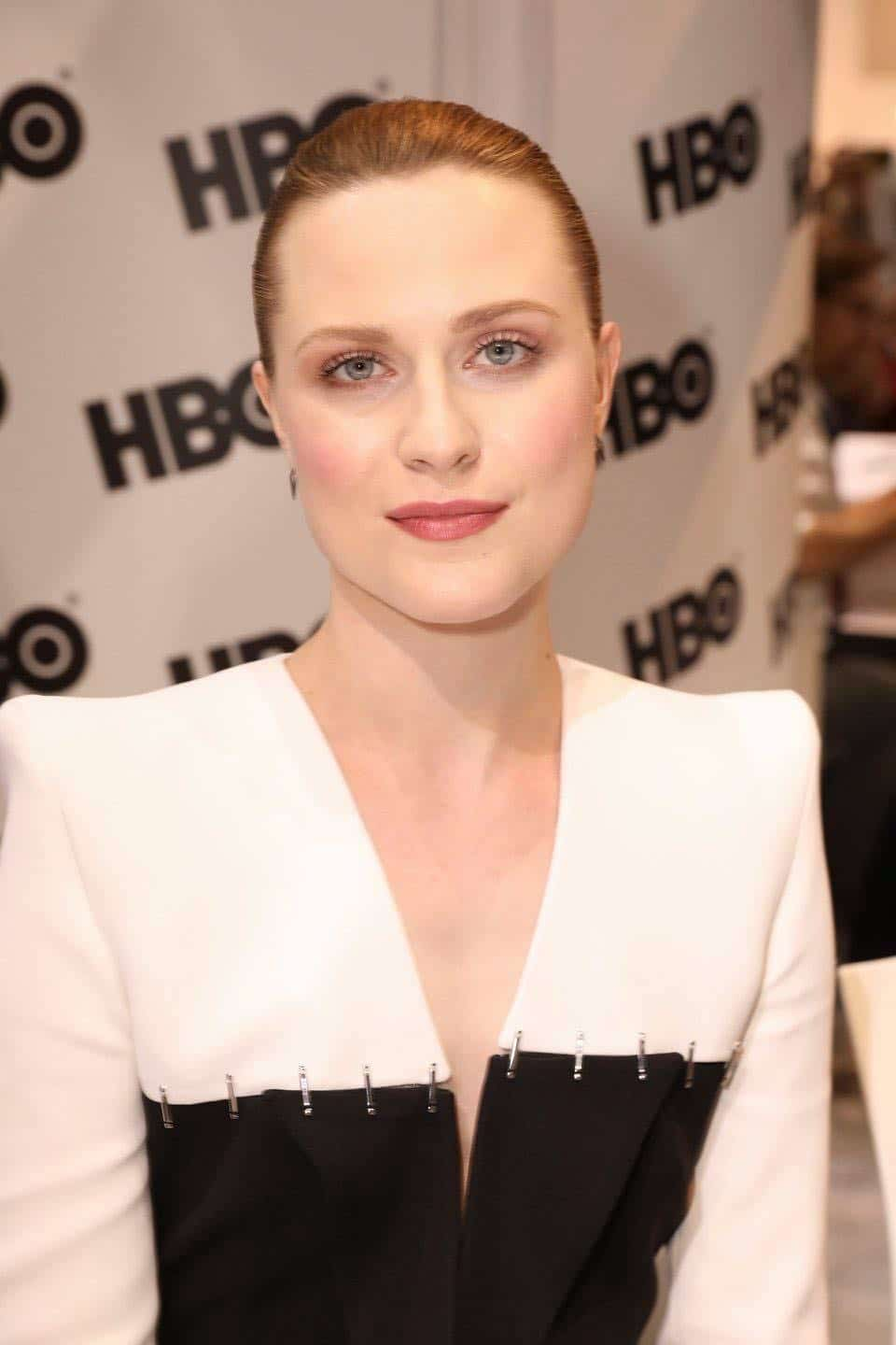WESTWORLD star Evan Rachel Wood makes an appearance at the Warner Bros. booth at Comic-Con 2017 on Saturday, July 22. #WBSDCC (© 2017 WBEI. All Rights Reserved)