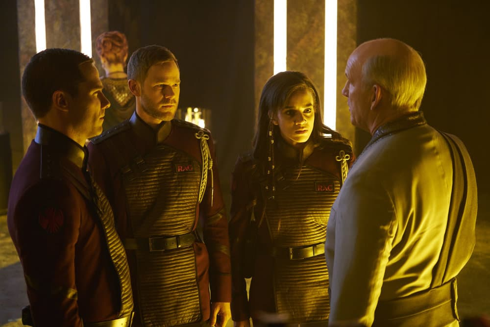 "KILLJOYS -- ""Necropolis Now"" Episode 306 -- Pictured: (l-r) Luke Macfarlane as D'Avin, Aaron Ashmore as John, Hannah John-Kamen as Dutch, John Bourgeois as Kalla Seyon Trus -- (Photo by: Steve Wilkie/Killjoys III Productions Limited/Syfy)"