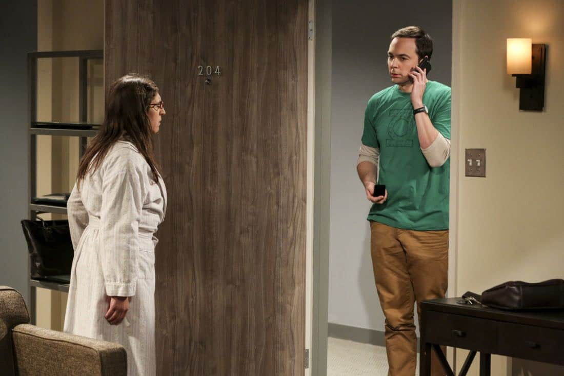 """The Proposal Proposal"" - Pictured: Amy Farrah Fowler (Mayim Bialik) and Sheldon Cooper (Jim Parsons). Amy gives Sheldon an answer to his proposal while Howard and Bernadette struggle with some unexpected news, on the 11th season premiere of THE BIG BANG THEORY, Monday, Sept. 25 (8:00-8:30 PM, ET/PT) on the CBS Television Network. Laurie Metcalf returns as Sheldon--С™Р""--ћР""Т's mother, Mary; Riki Lindhome returns as Ramona; and Stephen Hawking returns as himself. Photo: Michael Yarish/Warner Bros. Entertainment Inc. Р'В¬Р'В© 2017 WBEI. All rights reserved."