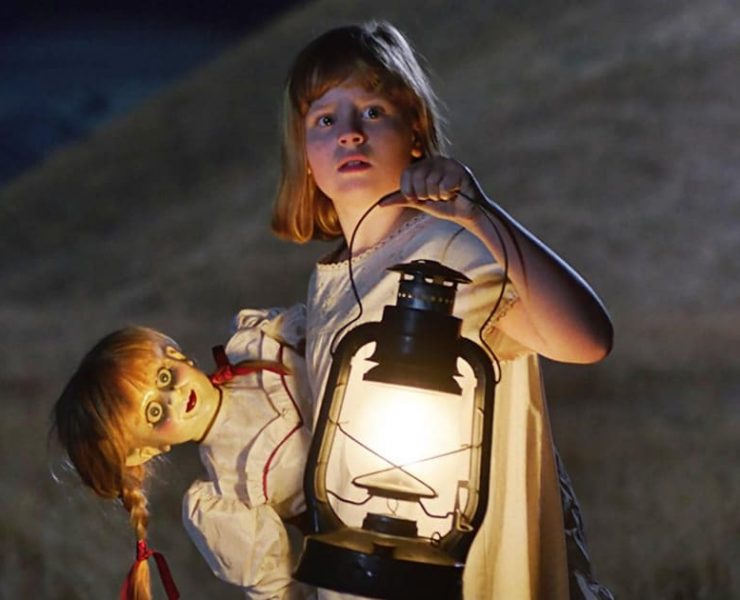 """ANNABELLE: CREATION Copyright: © 2017 WARNER BROS. ENTERTAINMENT INC. AND RATPAC-DUNE ENTERTAINMENT LLC Photo Credit: Courtesy of Warner Bros. Pictures Caption: LULU WILSON as Linda in New Line Cinema's supernatural thriller """"ANNABELLE: CREATION,"""" a Warner Bros. Pictures release."""