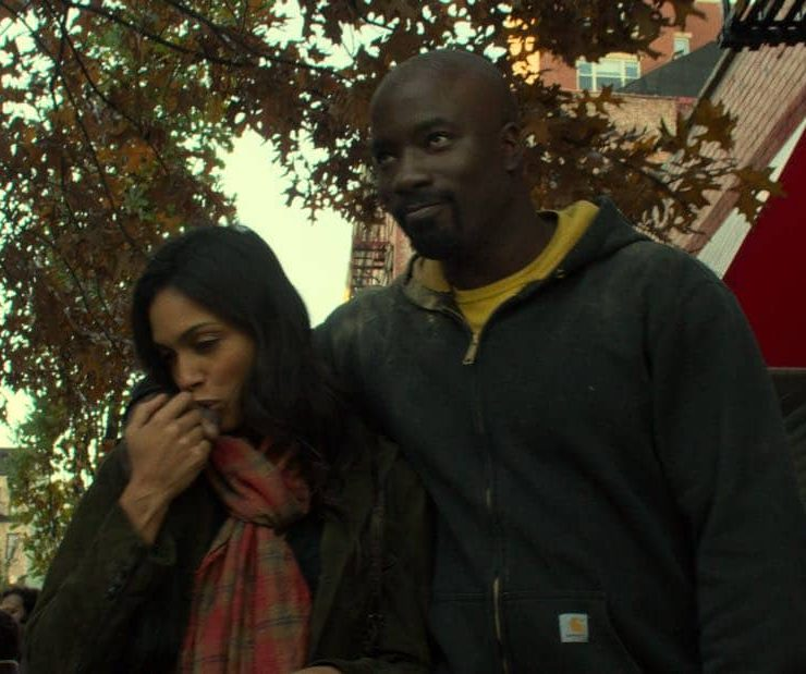 Marvel's The Defenders Episode 2 Mean Right Hook Rosario Dawson, Mike Colter