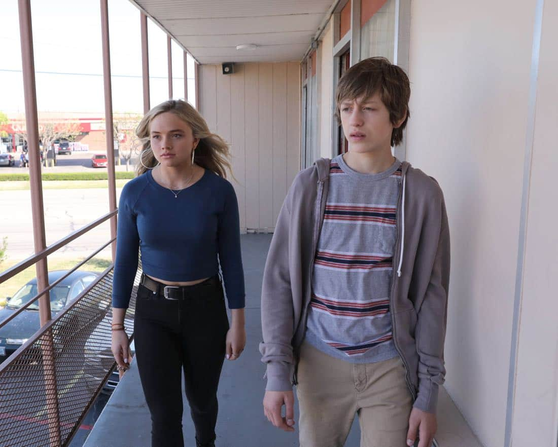 THE GIFTED: L-R: Natalie Alyn Lind and Percy Hynes White in THE GIFTED premiering premiering Monday, Oct. 2 (9:00-10:00 PM ET/PT) on FOX. ©2017 Fox Broadcasting Co. Cr: Ryan Green/FOX