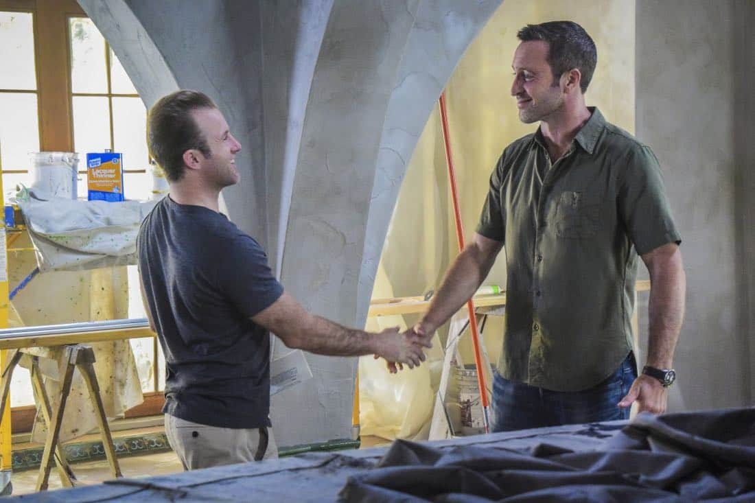 """""""'A'ole e '?lelo mai ana ke ahi ua ana ia"""" -- McGarrett and Danny recruit Tani Rey (Meaghan Rath) to join the task force when diabolical hacker Aaron Wright (Joey Lawrence) releases a dangerous arsonist from prison, on the eighth season premiere of HAWAII FIVE-0, Friday, Sept. 29 (9:00-10:00 PM, ET/PT) on the CBS Television Network. The season premiere includes animation of one of McGarrett and Danny's infamous """"car-guements."""" Also, Randy Couture returns, and Joey Lawrence joins his brother, Andrew, when he guest stars as Aaron Wright, a hacker. Pictured left to right: Scott Caan as Danny """"Danno"""" Williams and Alex O'Loughlin as Steve MCGarrett. Photo credit: Norman Shapiro/©2017 CBS Broadcasting, Inc. All Rights Reserved. (""""'A'ole e 'ōlelo mai ana ke ahi ua ana ia"""" is Hawaiian for """"Fire Will Never Say that It Has Had Enough"""")"""