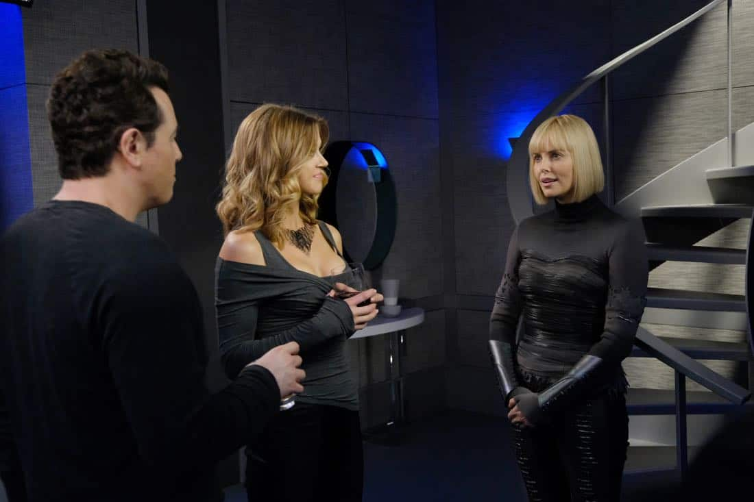 "THE ORVILLE:  L-R:  Seth MacFarlane, Adrianne Palicki and guest star Charlize Theron in the ""Pria"" episode of THE ORVILLE airing Thursday, Oct. 5 (9:01-10:00 PM ET/PT) on FOX. ©2017 Fox Broadcasting Co. Cr:  Ray Mickshaw/FOX"