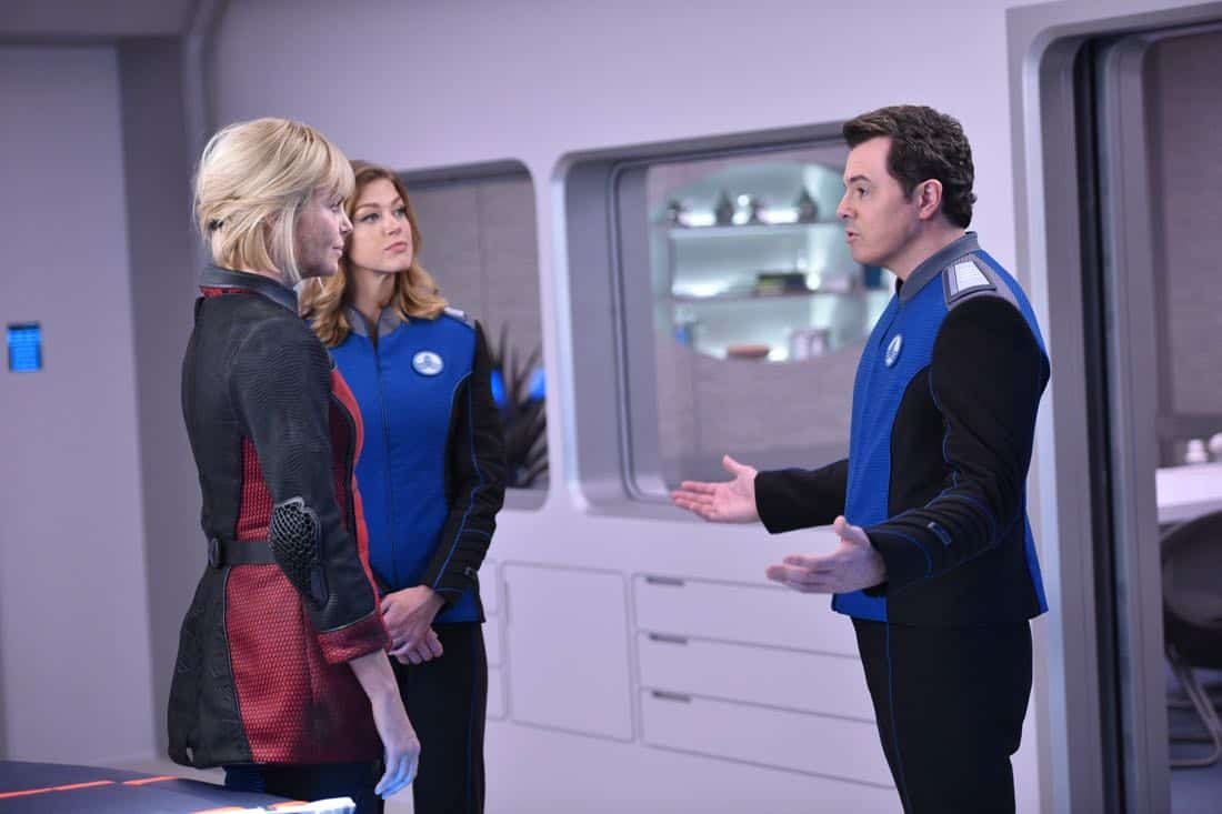 "THE ORVILLE:  L-R:  Guest star Charlize Theron, Adrianne Palicki and Seth MacFarlane in the ""Pria"" episode of THE ORVILLE airing Thursday, Oct. 5 (9:01-10:00 PM ET/PT) on FOX. ©2017 Fox Broadcasting Co. Cr:  Michael Becker/FOX"