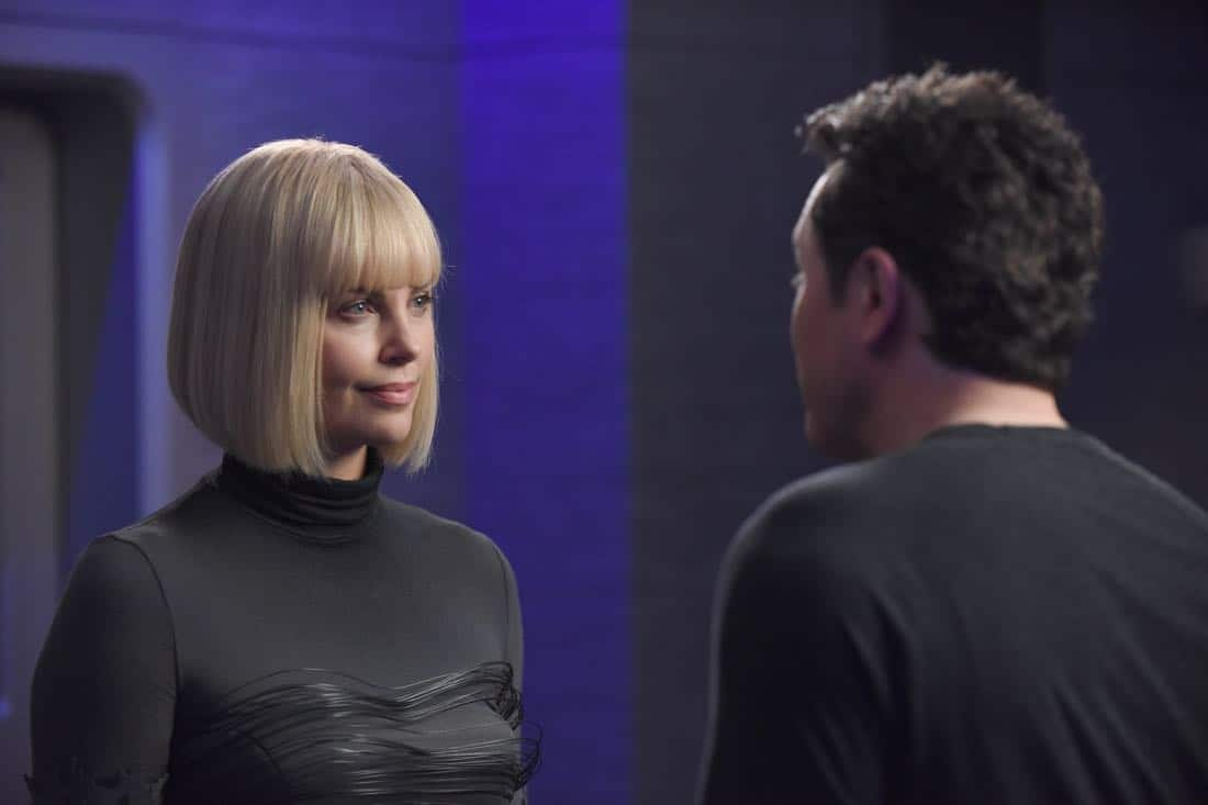 "THE ORVILLE:  L-R:  Guest star Charlize Theron and Seth MacFarlane in the ""Pria"" episode of THE ORVILLE airing Thursday, Oct. 5 (9:01-10:00 PM ET/PT) on FOX. ©2017 Fox Broadcasting Co. Cr:  Ray Mickshaw/FOX"
