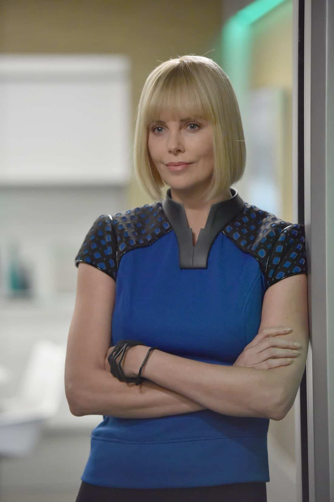 "THE ORVILLE:  Guest star Charlize Theron in the ""Pria"" episode of THE ORVILLE airing Thursday, Oct. 5 (9:01-10:00 PM ET/PT) on FOX. ©2017 Fox Broadcasting Co. Cr:  Michael Becker/FOX"