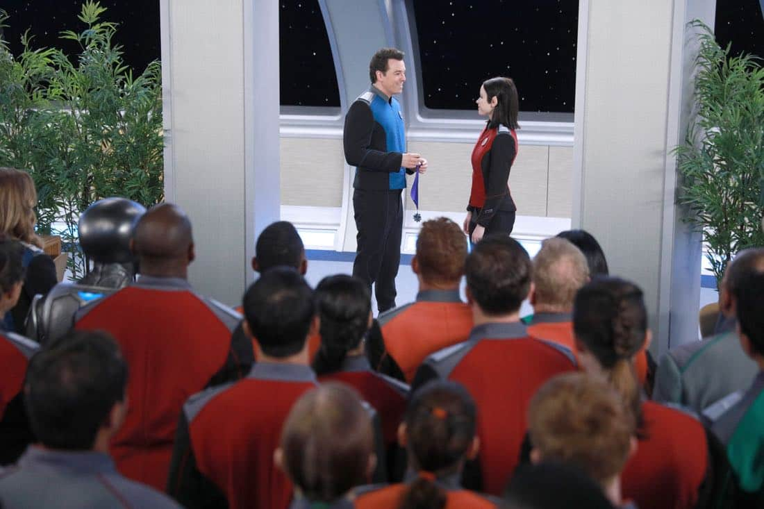 """THE ORVILLE:  L-R:  Seth MacFarlane and Halston Sage in the """"Command Performance"""" episode of THE ORVILLE, the second part of the two-night special series premiere airing Sunday, Sept. 17 (8:00-9:00 PM ET LIVE to all Time Zones), immediately following the NFL Doubleheader on FOX. ©2017 Fox Broadcasting Co. Cr:  Jordin Althaus/FOX"""