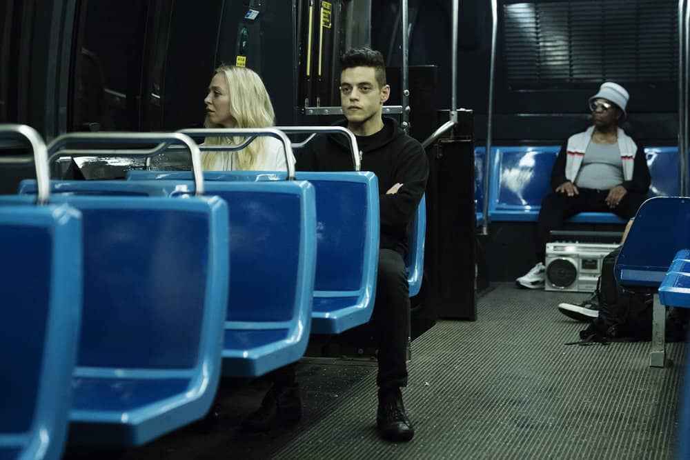 "MR. ROBOT -- ""eps3.0_power-saver-mode.h"" Episode 301 -- (Pictured: (l-r) Portia Doubleday as Angela Moss, Rami Malek as Elliot Alderson -- (Photo by: Peter Kramer/USA Network)"