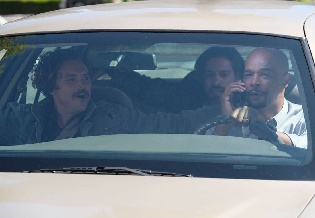 """LETHAL WEAPON: Pictured L-R: Clayne Crawford and Damon Wayans in the """"El Gringo Loco"""" season two premiere episode of LETHAL WEAPON airing Tuesday, Sept. 26 (8:00-9:00 PM ET/PT) on FOX. ©2017 Fox Broadcasting Co. CR: Darren Michaels/FOX"""