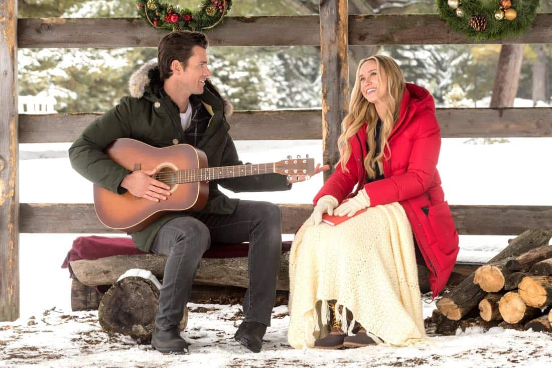 A Song for Christmas Kevin McGarry, Rebecca Tobin Copyright 2017 Crown Media United States, LLC/Photographer: Christos Kalohoridis/Hallmark Channel