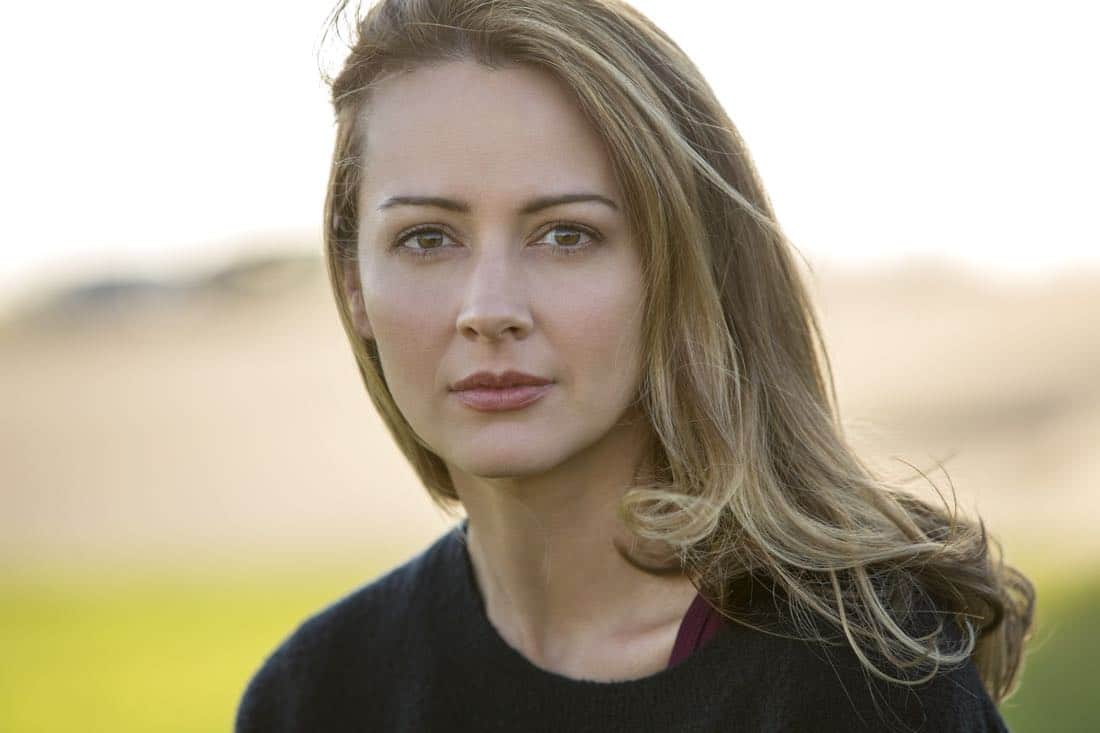 THE GIFTED: Amy Acker as Caitlin Strucker in THE GIFTED premiering premiering Monday, Oct. 2 (9:00-10:00 PM ET/PT) on FOX. ©2017 Fox Broadcasting Co. Cr: Ryan Green/FOX