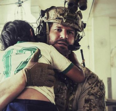 """""""Other Lives"""" -- While on an evidence-collecting mission in Syria, Jason and the SEAL Team find innocent civilians in desperate need of rescue just as enemy forces close in on them. Also, while on the mission, the team debates whether or not to tell Ray that his wife has gone into labor, on SEAL TEAM, Wednesday, Oct. 4 (9:00-10:00 PM, ET/PT) on the CBS Television Network. Pictured: David Boreanaz as Jason Hayes. Photo: Erik Voake/CBS©2017 CBS Broadcasting, Inc. All Rights Reserved"""