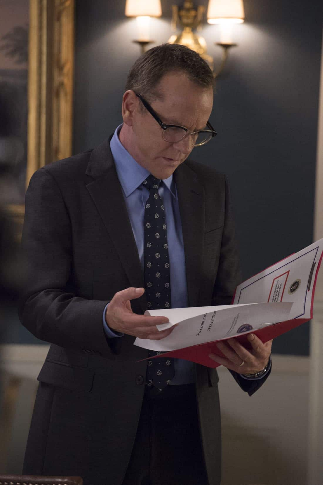 "DESIGNATED SURVIVOR - ""One Year In"" - In the season two premiere episode of ABC's hit drama ""Designated Survivor,"" Kiefer Sutherland returns as President Tom Kirkman. Now, one year into office, Kirkman is a Commander-in-Chief determined to rebuild the Capitol and capture the terrorists behind the catastrophic attack on the United States. When Ukrainian nationalists hijack a Russian Air flight, the president is faced with a hostage situation in which his diplomatic skills are put to the test, on ""Designated Survivor,"" airing WEDNESDAY, SEPTEMBER 27 (10:00-11:00 p.m. EDT). (ABC/Ben Mark Holzberg)"