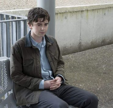 """THE GOOD DOCTOR - """"PILOT - Burnt Food"""" - Dr. Shaun Murphy (Freddie Highmore), a young surgeon with autism and savant syndrome, relocates from a quiet country life to join the prestigious St. Bonaventure hospital's surgical unit. Alone in the world and unable to personally connect with those around him, his only advocate, Dr. Aaron Glassman (Richard Schiff), challenges the skepticism and prejudices of the hospital's board and staff when he brings him in to join the team. Shaun will need to work harder than he ever has before, as he navigates his new environment and relationships to prove to his colleagues that his extraordinary medical gifts will save lives. The highly anticipated series premiere of """"The Good Doctor"""" airs MONDAY, SEPTEMBER 25 (10:01-11:00 p.m. EDT), on The ABC Television Network. (ABC/Liane Hentscher) FREDDIE HIGHMORE"""