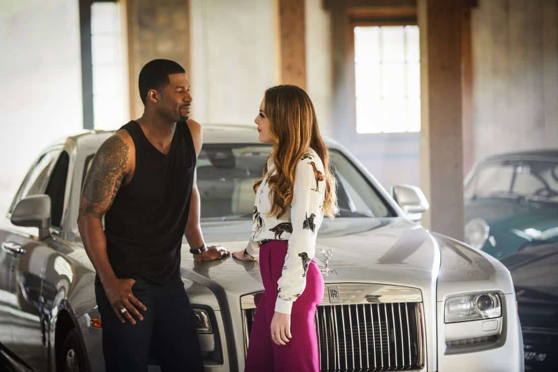 """Dynasty -- """"Pilot"""" Pictured (L-R): Robert Christopher Riley as Culhane and Elizabeth Gillies as Fallon  -- Photo: Bob Mahoney/The CW © 2017 The CW Network, LLC. All Rights Reserved."""
