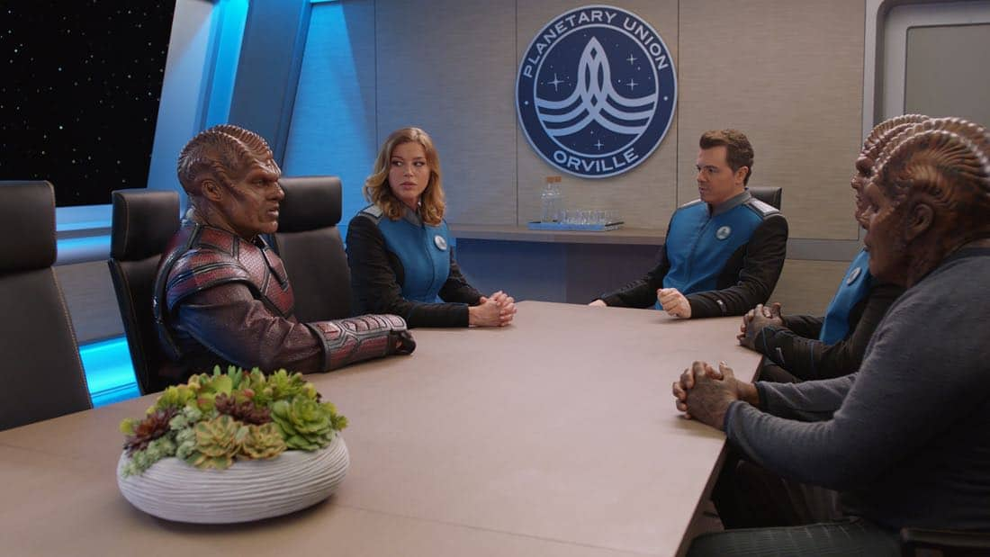 """THE ORVILLE: L-R: L-R: Guest star Deobia Oparei, Adrianne Palicki and Seth MacFarlane in the """"About a Girl"""" time period premiere episode of THE ORVILLE airing Thursday, Sept. 21 (9:00-10:00 PM ET/PT) on FOX. ©2017 Fox Broadcasting Co. Cr: Michael Becker/FOX."""