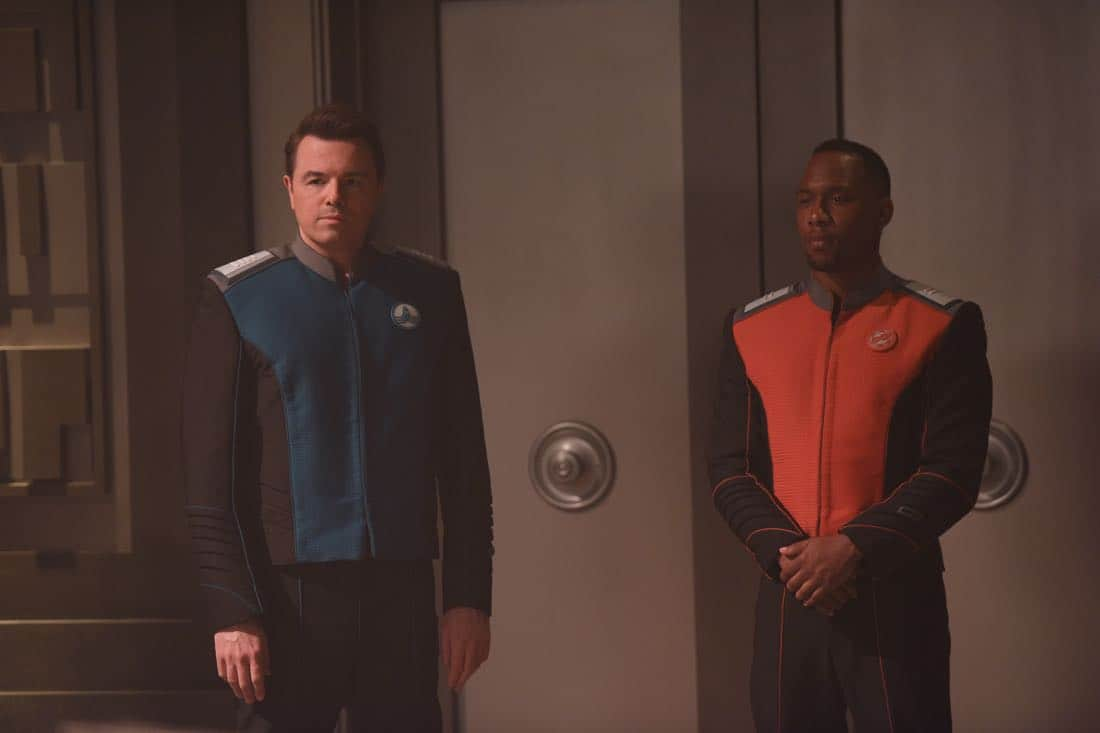 """THE ORVILLE: L-R: Seth MacFarlane and J Lee in the """"About a Girl"""" episode of THE ORVILLE airing Thursday, Sept. 21 (9:00-10:00 PM ET/PT) on FOX. ©2017 Fox Broadcasting Co. Cr: Jordin Althaus/FOX"""