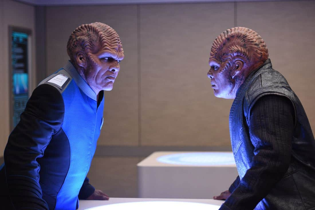 """THE ORVILLE: L-R: Peter Jackson and Chad L. Coleman in the """"About a Girl"""" episode of THE ORVILLE airing Thursday, Sept. 21 (9:00-10:00 PM ET/PT) on FOX. ©2017 Fox Broadcasting Co. Cr: Jordin Althaus/FOX"""