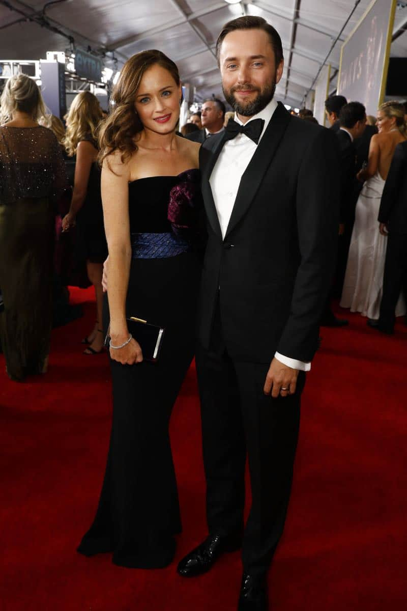 Alexis Bledel and Vincent Kartheiser arrive at the 69TH PRIMETIME EMMY AWARDS, LIVE from the Microsoft Theater in Los Angeles Sunday, Sept. 17 (8:00-11:00 PM, live ET/5:00-8:00 PM live PT) on the CBS Television Network.   Photo: Trae Patton/CBS ©2017 CBS Broadcasting, Inc. All Rights Reserved.