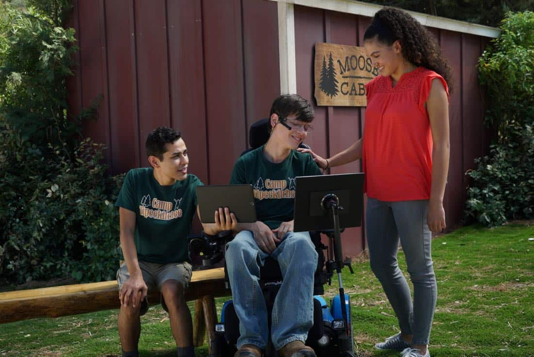 """SPEECHLESS - """"W-E-- WE'RE B-A-- BACK!"""" - While JJ was at summer camp, Maya decided it's time the family no longer use JJ's disability as an excuse to let their lives fall through the cracks. Maya, Jimmy and Dylan make dramatic changes, but a smug Ray decides he will spend the summer watching his family likely failing at their attempts. When JJ comes home, Kenneth finds a love note in JJ's luggage from Alexa (guest star Rose Crisman), a girl he met at camp, who wants to give JJ his first kiss. The family chucks their self-improvement projects and hits the road to find Alexa, on the season premiere of """"Speechless,"""" WEDNESDAY, SEPTEMBER 27 (8:30-9:00 p.m. EDT), on The ABC Television Network. (ABC/Richard Cartwright) RUDY MARTINEZ, MICAH FOWLER, ROSE CRISMAN"""