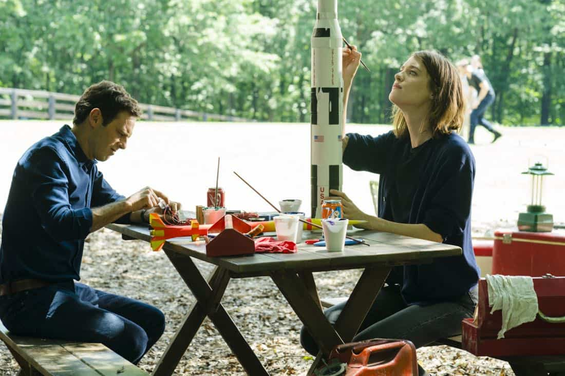 Scoot McNairy as Gordon Clark, Mackenzie Davis as Cameron Howe - Halt and Catch Fire _ Season 4, Episode 6 - Photo Credit: Tina Rowden/AMC
