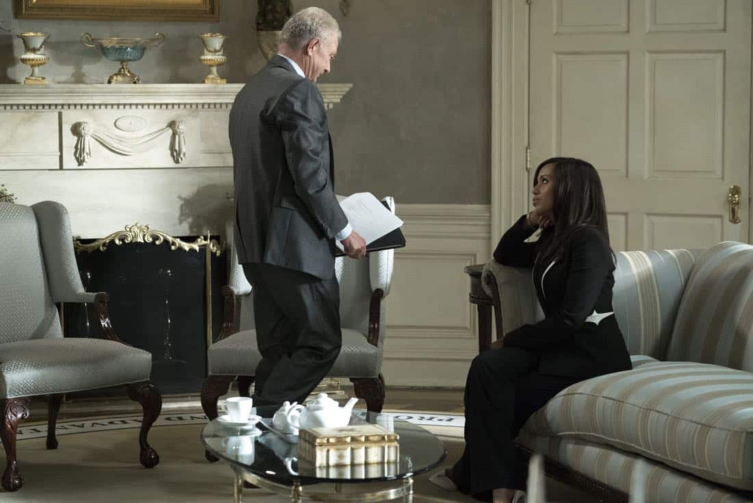 """SCANDAL - """"Watch Me"""" - One hundred days into Mellie's presidency, Olivia Pope is proving she can run the world; but to avoid an international incident, she may have to make her toughest call yet. Meanwhile, Quinn Perkins & Associates struggle to find their first client, on the highly-anticipated season premiere of """"Scandal,"""" airing THURSDAY, OCTOBER 5 (9:00-10:00 p.m. EDT), on The ABC Television Network. (ABC/Richard Cartwright) JEFF PERRY, KERRY WASHINGTON"""