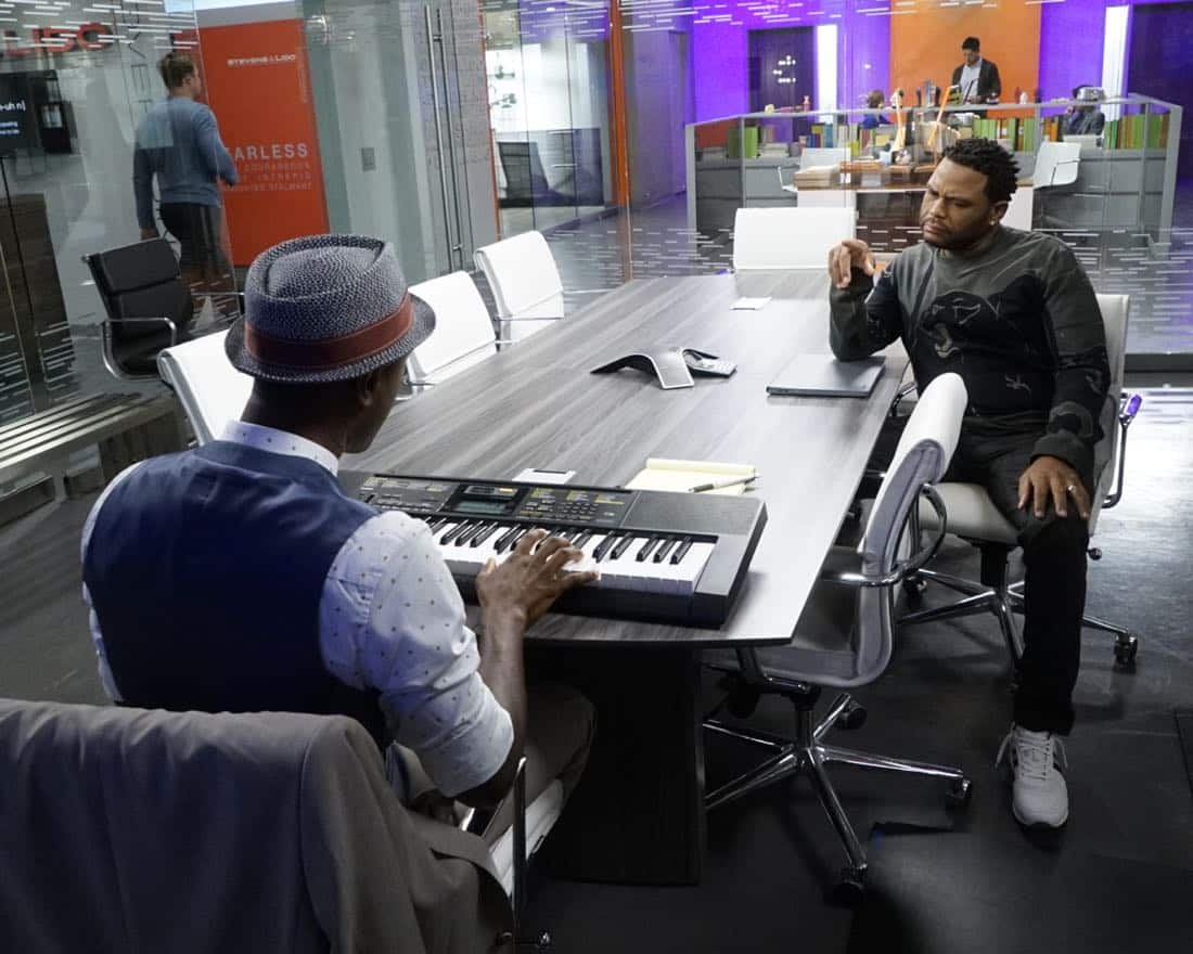 """BLACK-ISH - """"Juneteenth"""" - The Johnsons go to Jack and Diane's school play about Columbus Day, and Dre is dismayed by the historically inaccurate way that the holiday is portrayed. He feels like there aren't enough black holidays, so he enlists Aloe Blacc at work to help him create a catchy song to raise awareness for a holiday worth celebrating, Juneteenth, on the season premiere of """"black-ish,"""" TUESDAY, OCTOBER 3 (9:00-9:30 p.m. EDT), on The ABC Television Network. (ABC/Kelsey McNeal) ALOE BLACC, ANTHONY ANDERSON"""