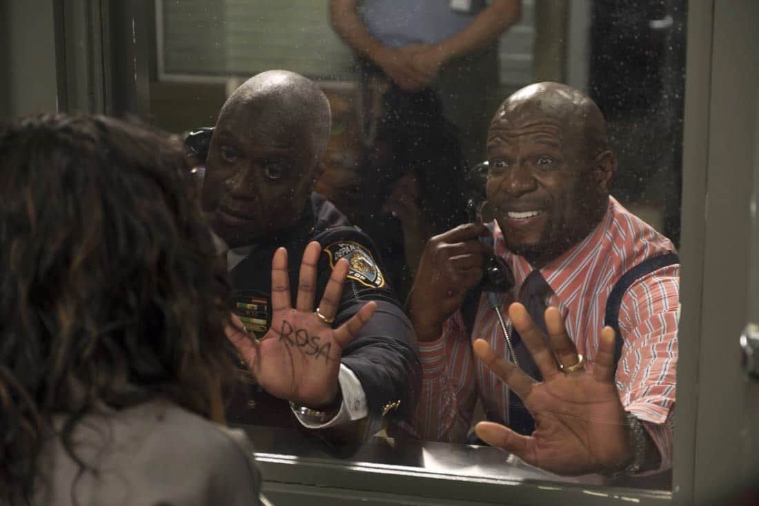 "BROOKLYN NINE-NINE: L-R: Andre Braugher and Terrry Crews in the ""The Big House Pt.1"" Season Five premiere episode of BROOKLYN NINE-NINE airing Tuesday, Sept. 26 (9:30-10:00 PM ET/PT) on FOX.  CR: John P Fleenor / FOX"