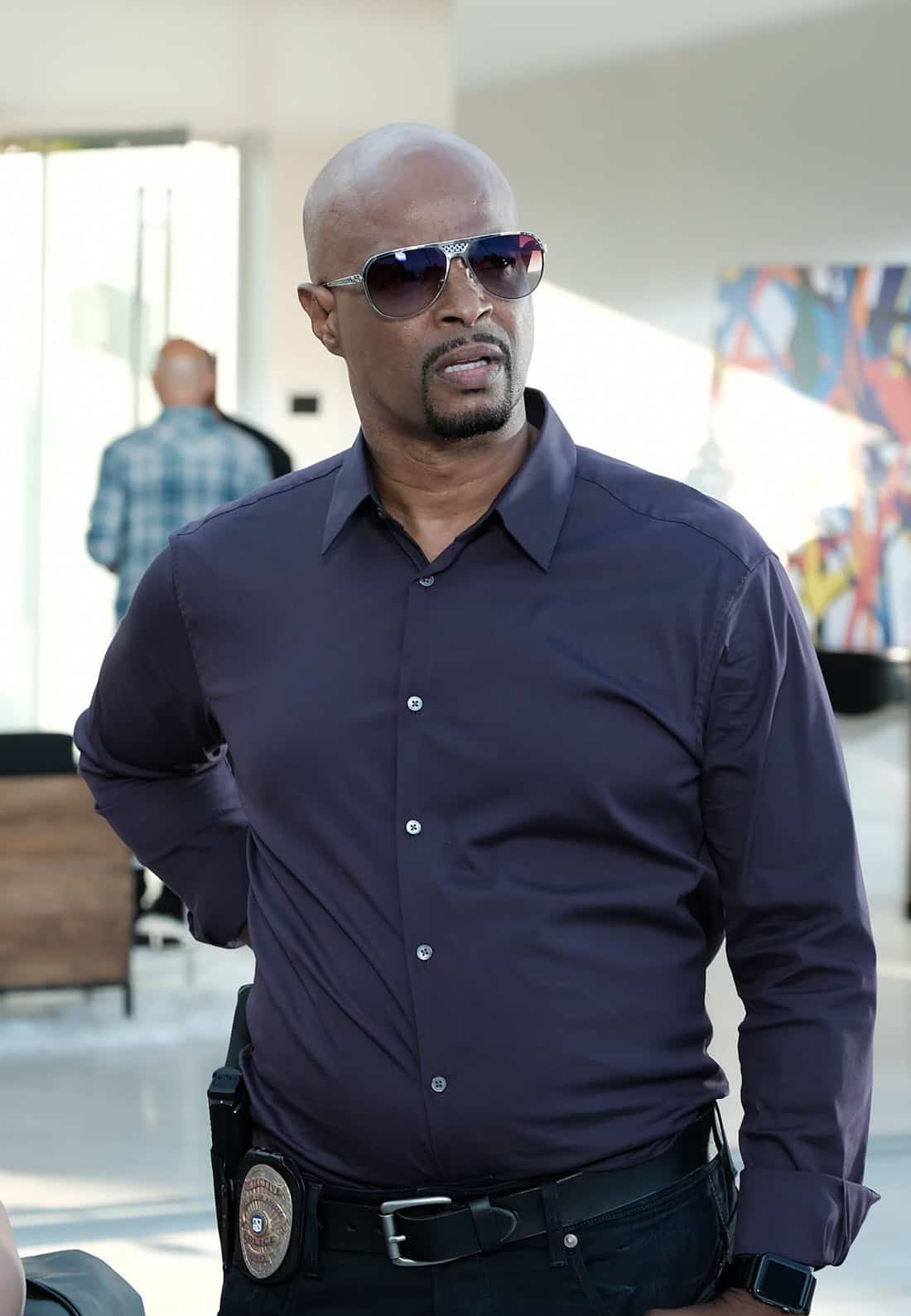 """LETHAL WEAPON: Damon Wayans in the """"Dancing in September"""" episode of LETHAL WEAPON airing Tuesday, Oct. 3 (8:00-9:00 PM ET/PT) on FOX. ©2017 Fox Broadcasting Co. CR: Ray Mickshaw/FOX"""