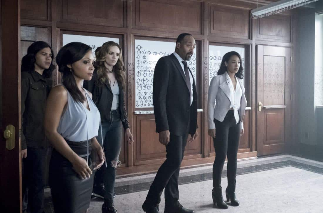 """The Flash -- """"The Flash Reborn"""" -- Image Number: FLA401a_0033b.jpg -- Pictured (L-R) Carlos Valdes as Cisco Ramon, Danielle Nicolet as Cecile Horton, Danielle Panabaker as Caitlin Snow, Jesse L. Martin as Detective Joe West and Candice Patton as Iris West -- Photo: Katie Yu/The CW -- © 2017 The CW Network, LLC. All rights reserved."""